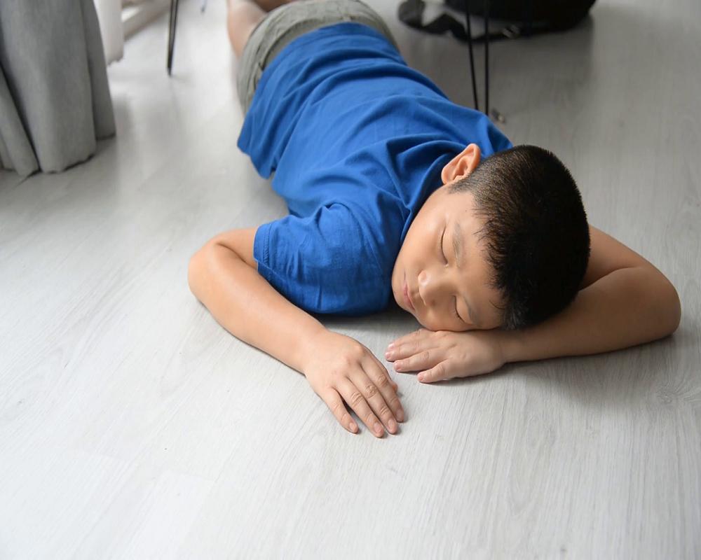 چرا روی زمین نخوابیم