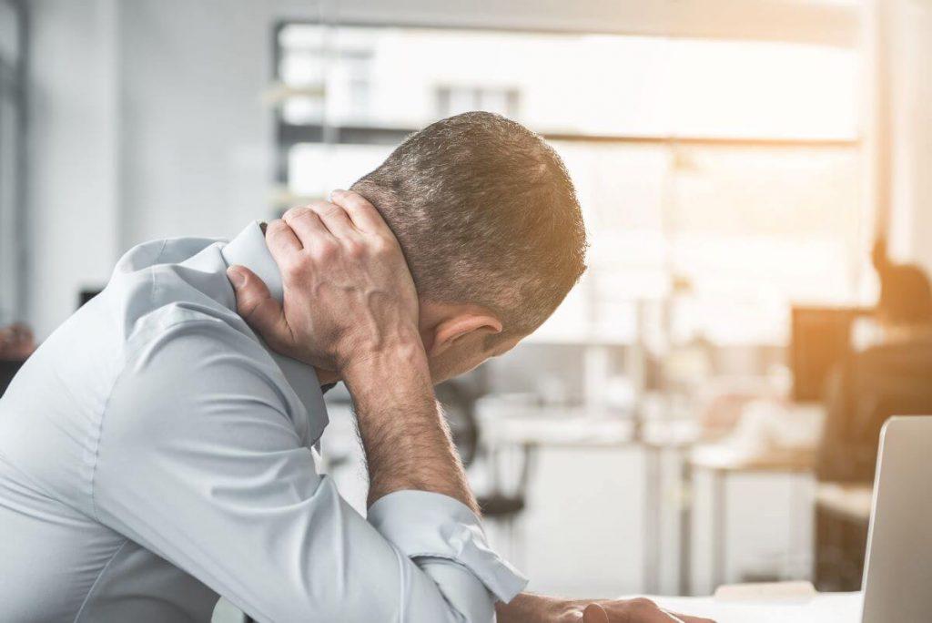 بالش نرم باعث آسیب و گردن درد می شود؟